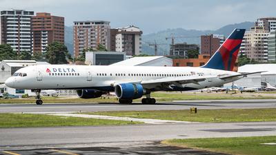 N635DL - Boeing 757-232 - Delta Air Lines