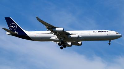 D-AIGX - Airbus A340-313X - Lufthansa