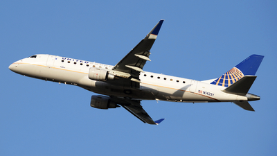 N142SY - Embraer 170-200LR - United Express (SkyWest Airlines)