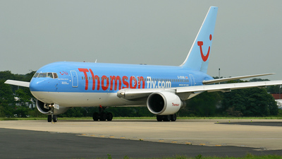 G-BYAB - Boeing 767-204(ER) - Thomsonfly