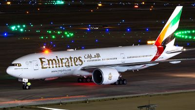 A picture of A6EWA - Boeing 77721H(LR) - Emirates - © Houstoniahspotter