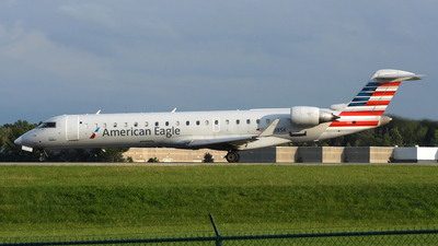 A picture of N738SK - Mitsubishi CRJ701ER - American Airlines - © DJ Reed - OPShots Photo Team