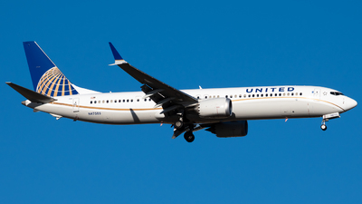 A picture of N47505 - Boeing 737 MAX 9 - United Airlines - © Michael Place