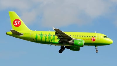 VP-BTQ - Airbus A319-114 - S7 Airlines