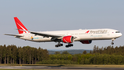 VQ-BGL - Boeing 777-31HER - Royal Flight