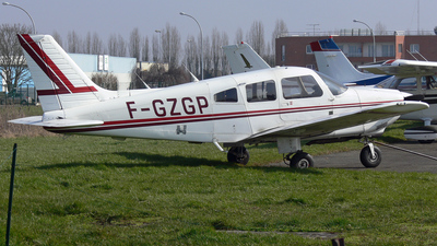 F-GZGP - Piper PA-28-181 Archer II - Private