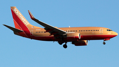 A picture of N714CB - Boeing 7377H4 - Southwest Airlines - © J.R.Quiñonez