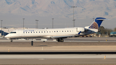 N713SK - Bombardier CRJ-701 - United Express (SkyWest Airlines)