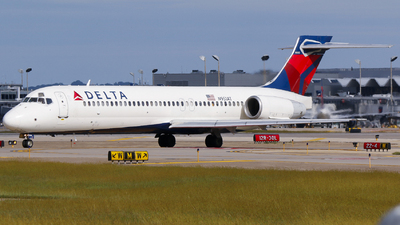 A picture of N951AT - Boeing 7172BD - Delta Air Lines - © Alec Mollenhauer