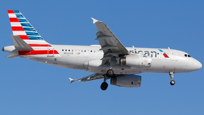 A picture of N826AW - Airbus A319132 - American Airlines - © Alec Mollenhauer