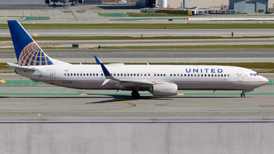 A picture of N78448 - Boeing 737924(ER) - United Airlines - © klaxaviator