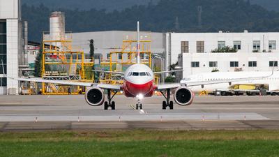 B-307U - Airbus A320-251N - Lucky Air