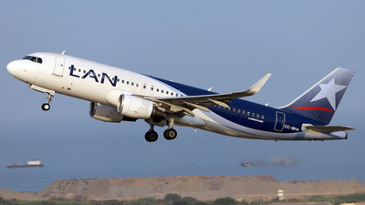 A picture of CCBFH - Airbus A320214 - LATAM Airlines - © Juan Manuel Temoche - SPJC Spotter