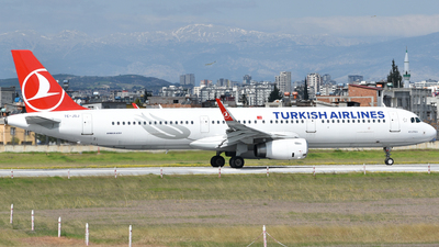 A picture of TCJSJ - Airbus A321231 - Turkish Airlines - © Savas binici