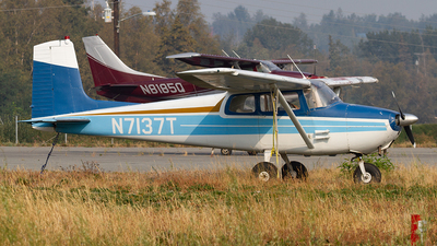N7137T - Cessna 172 Skyhawk - Private
