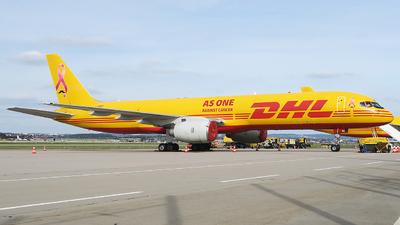 A picture of GBMRI - Boeing 757236(SF) - DHL - © Simon Reichert