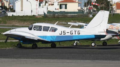 J5-GTG - Piper PA-23-250 Aztec E - Private