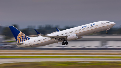 A picture of N69826 - Boeing 737932(ER) - United Airlines - © Tyler Su
