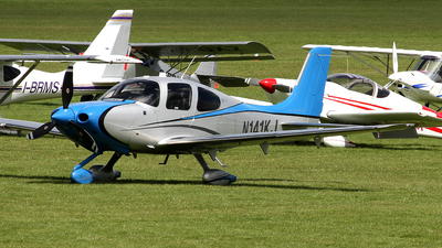 A picture of N141KJ - Cirrus SR22T - [0832] - © Terry Figg