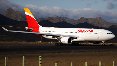 EC-MLB - Airbus A330-202 - Iberia