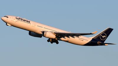 A picture of DAIKQ - Airbus A330343 - Lufthansa - © Matt Lino