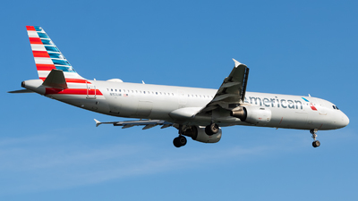 A picture of N153UW - Airbus A321211 - American Airlines - © Yishai Howe