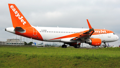 G-EZGX - Airbus A320-214 - easyJet