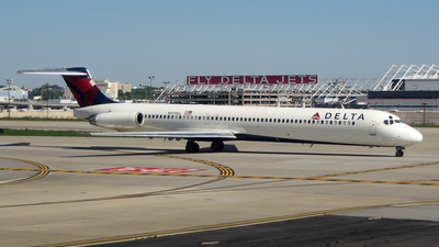 N970DL - McDonnell Douglas MD-88 - Delta Air Lines