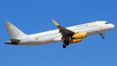 A picture of ECMEQ - Airbus A320232 - Vueling - © Pampillonia Francesco - Plane Spotters Bari