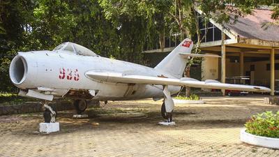 935 - Mikoyan-Gurevich Mig-17F Fresco - Vietnam - Air Force