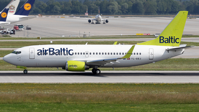 YL-BBJ - Boeing 737-36Q - Air Baltic