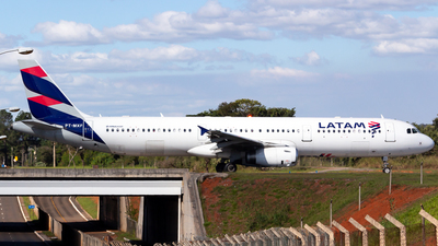 A picture of PTMXF - Airbus A321231 - LATAM Airlines - © LazaroEdu