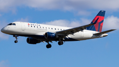 N823MD - Embraer 170-100SU - Delta Connection (Republic Airlines)