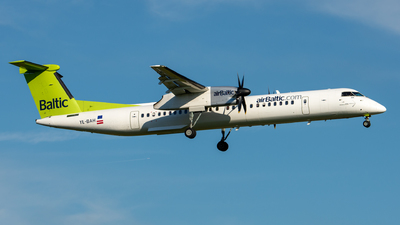 YL-BAH - Bombardier Dash 8-Q402 - Air Baltic
