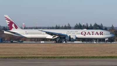 A7-BET - Boeing 777-3DZER - Qatar Airways