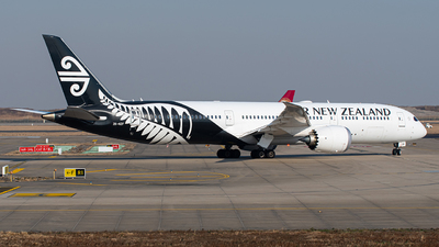 A picture of ZKNZF - Boeing 7879 Dreamliner - Air New Zealand - © Janson Button