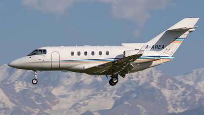 M-AREA - Hawker Beechcraft 900XP - Private