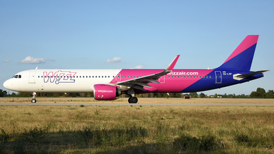 A picture of HALVP - Airbus A321271NX - Wizz Air - © Andrea Giribuola
