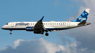 A picture of N190JB - Embraer E190AR - JetBlue Airways - © Robert Maverick Rivera