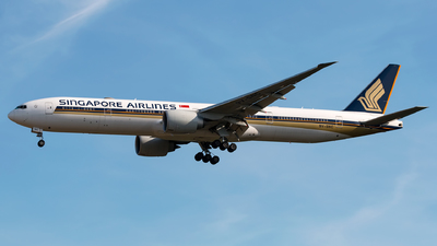 A picture of 9VSNC - Boeing 777312(ER) - Singapore Airlines - © Andre M.