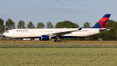 A picture of N806NW - Airbus A330323 - Delta Air Lines - © Sebastian Sowa
