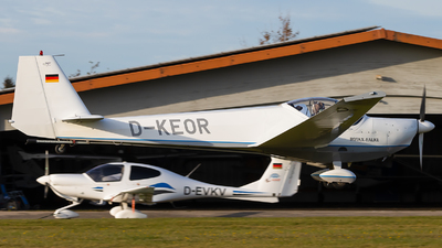 A picture of DKEOR - Scheibe SF25 Rotax Falke - [44685] - © Maik Voigt