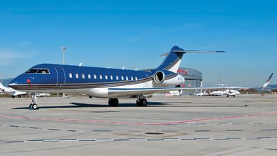 M-YGJL - Bombardier BD-700-1A10 Global Express - Private