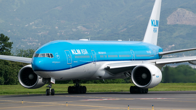 A picture of PHBQF - Boeing 777206(ER) - KLM - © RAFAEL FERNANDEZ ABARCA