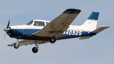 N40925 - Piper PA-28-151 Warrior  - Private