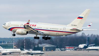 A picture of RA96021 - Ilyushin Il96300PU - Rossiya  Special Flight Squadron - © Alexander Lebedev
