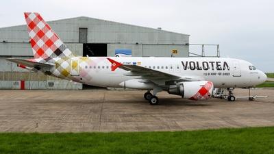 G-EZNC - Airbus A319-111 - Volotea
