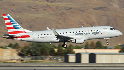 A picture of N213NN - Embraer E175LR - American Airlines - © Nate Morin