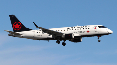 A picture of CFEKI - Embraer E175SU - Air Canada - © Guy Langlois