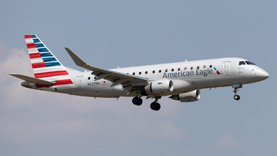 A picture of N227NN - Embraer E175LR - American Airlines - © Yixin Chen